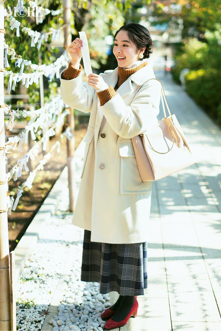 【今日のコーデ】初詣はタートルニットの重ね着&白コートで可愛げも防寒対策もばっちり! <唐田えりか>_1
