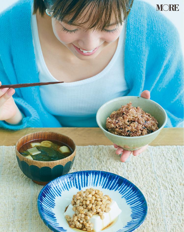 モアモデル佐藤栞里の健やか美の秘密は「寝かせ玄米®」に「みそ玉」。体の中からキレイになる食生活でニキビにも打ち勝った!_1