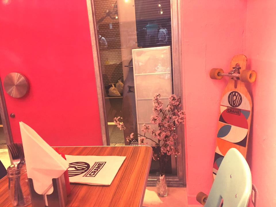 女子ウケ間違いなし。ピンク一色♡かわいすぎる店内で絶品ハンバーガーとミルクシェイクを。_3
