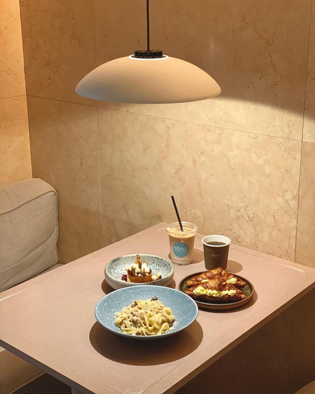 Premiumインフルエンサーズのインスタ拝見! 赤埴奈津子さんは、東京・馬喰町のおしゃれカフェ『abno』でブランチ♬_1