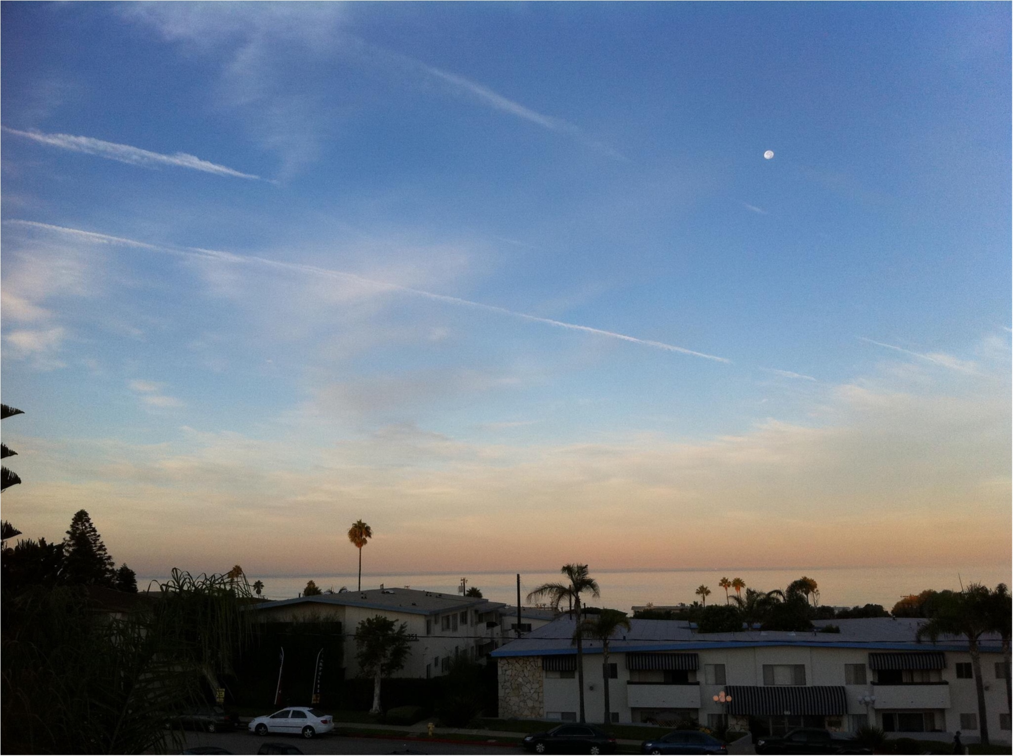 写真でも、きっと伝わるこの魅力✨朝から晩まで眺めた《*ロサンゼルスの広い空*》_2