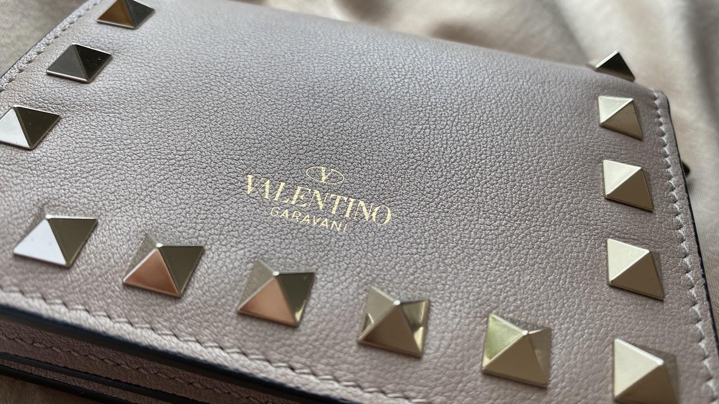 【20代女子の愛用財布】Valentino(ヴァレンティノ)はミニサイズでも存在感抜群♥キャッシュレス決済や歴代の財布も紹介_2