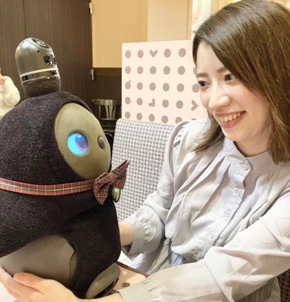 ドラマで話題沸騰!LOVOT(ラボット)と触れ合えるカフェがラゾーナ川崎に誕生♡_4