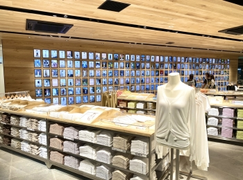 【内覧会レポ】『ユニクロ 原宿店』6/5(金)オープン!リアルとバーチャルを融合した店内では、お花も買える⁉︎