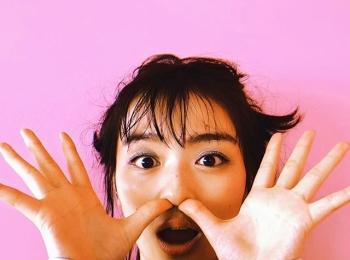 #内田理央 こんなポーズをしても可愛いってすごい!【MORE SMILEUP CHALLENGE 20】