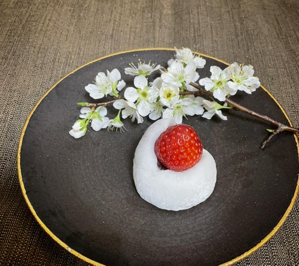 【おすすめいちごスイーツ】老舗゛紀の国屋゛の《いちご大福》と《桜餅》で春を味わう:*_1