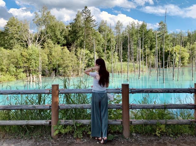 【女子旅におすすめ】北海道の美瑛にある『青い池』が綺麗すぎる♪一度は見たい絶景スポット_2