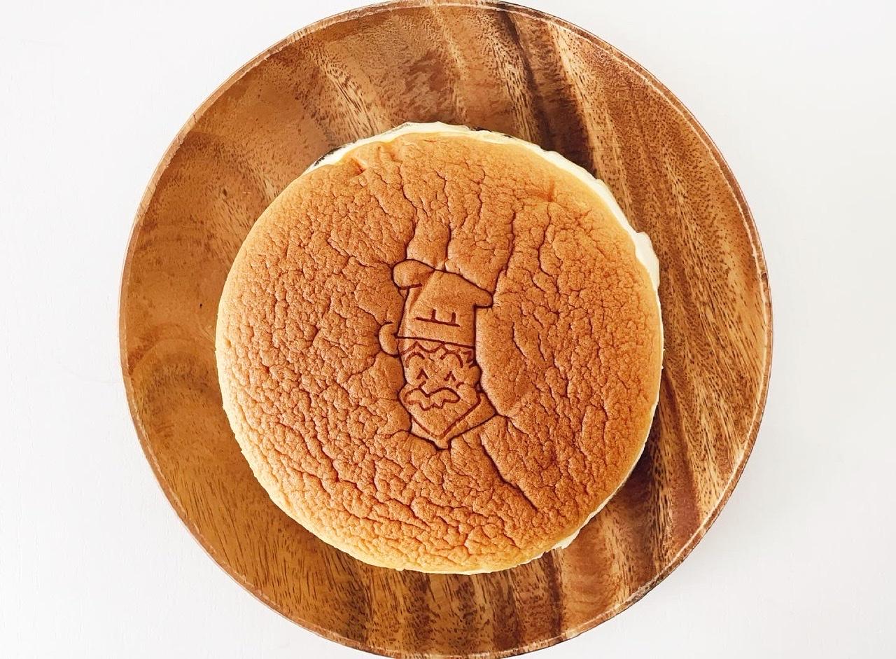 【まだ食べてないの?大阪に行ったら買わないと損!】ぷるふわ食感の絶品スフレチーズケーキ_2