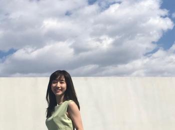 爽やかな笑顔の田中みな実さん♪【MORE5月号の撮影オフショット】