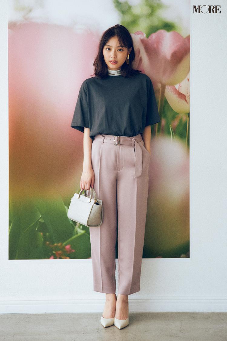 【今日のコーデ】<内田理央>カラーパンツにTシャツの着こなしにも慣れてきた。スモーキーな配色で初秋らしくシフトして_1