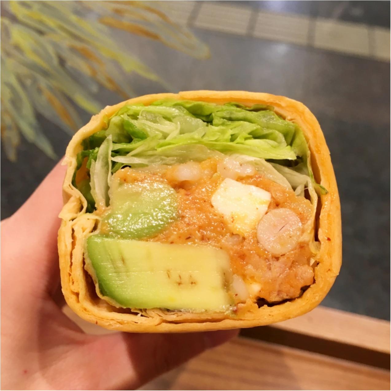 小腹にぴったり♡ スターバックスの《 サラダラップ 》が具だくさんヘルシーで美味しい♡_2
