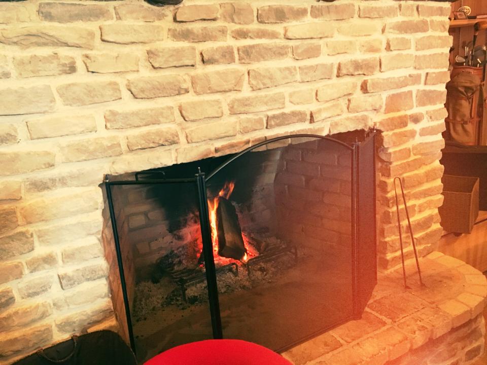 赤を着てでかけよう❤️暖炉のあるカフェであったかランチ。_3