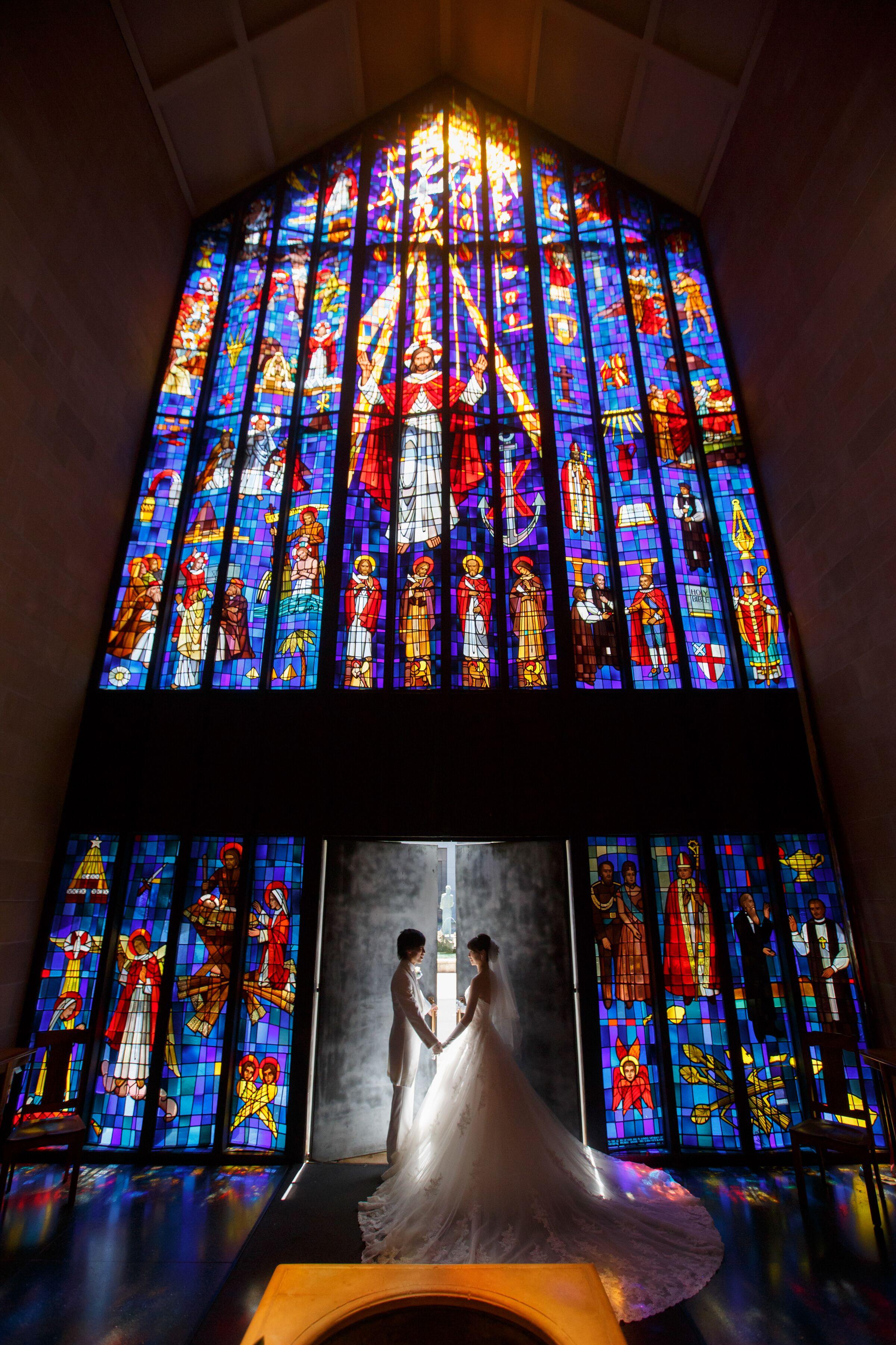 【ハワイ挙式】幻想的なステンドグラスが魅力的!セントアンドリュース大聖堂にて結婚式を挙げました♡♡_1