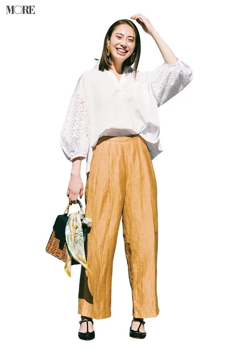 【夏のぺたんこ靴コーデ】8. 糖度高めなレース袖のシャツはメンズライクなパンツにインして