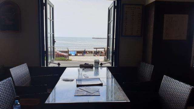 江ノ島のカレーパスタが絶品!ロケーションも最高のカフェ&バー ヘミングウェイ 江ノ島に行ってきた_1