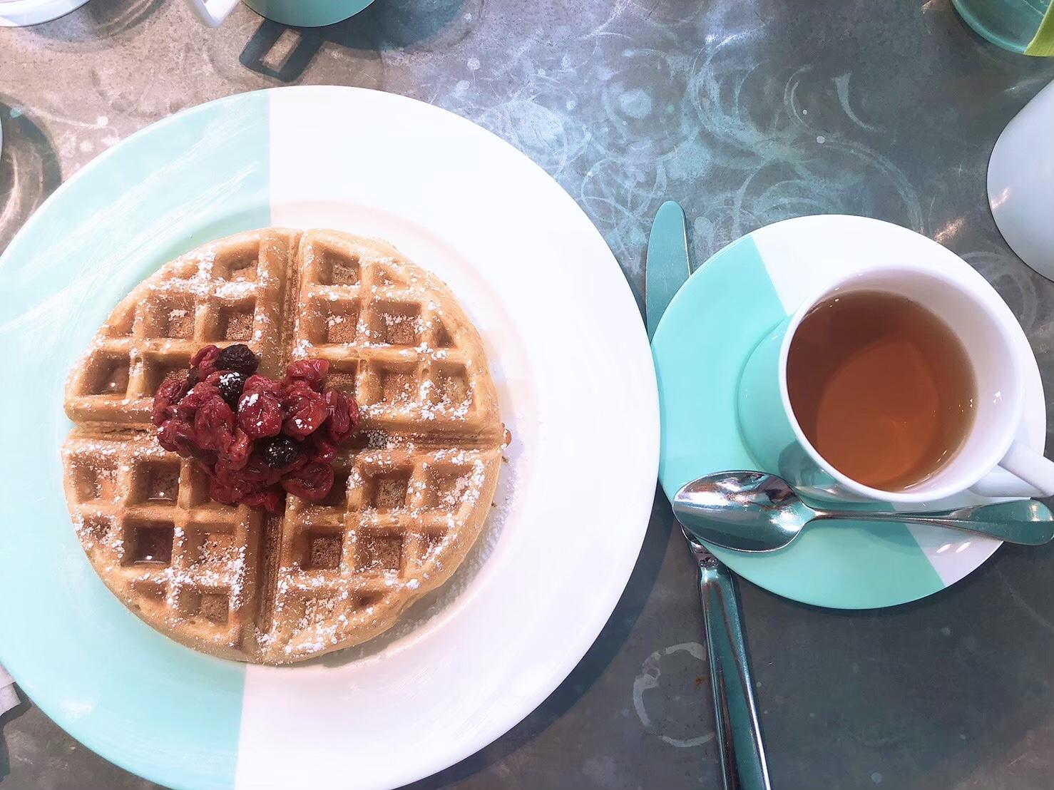 【思い出投稿】〈NY〉予約困難の大人気ティファニーカフェ『The Blue Box Cafe』_6