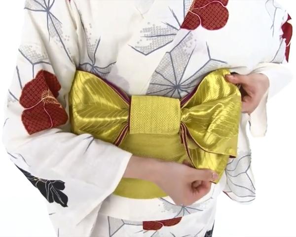 【わかりやすい動画付き】浴衣のセルフ着付け・帯の結び方 - 一人でできる! 女性の浴衣の着方は?_68