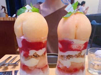 【FRUiT hanafru 】桃しか勝たん♡可愛すぎる山梨県桃のまるごとパフェレビュー