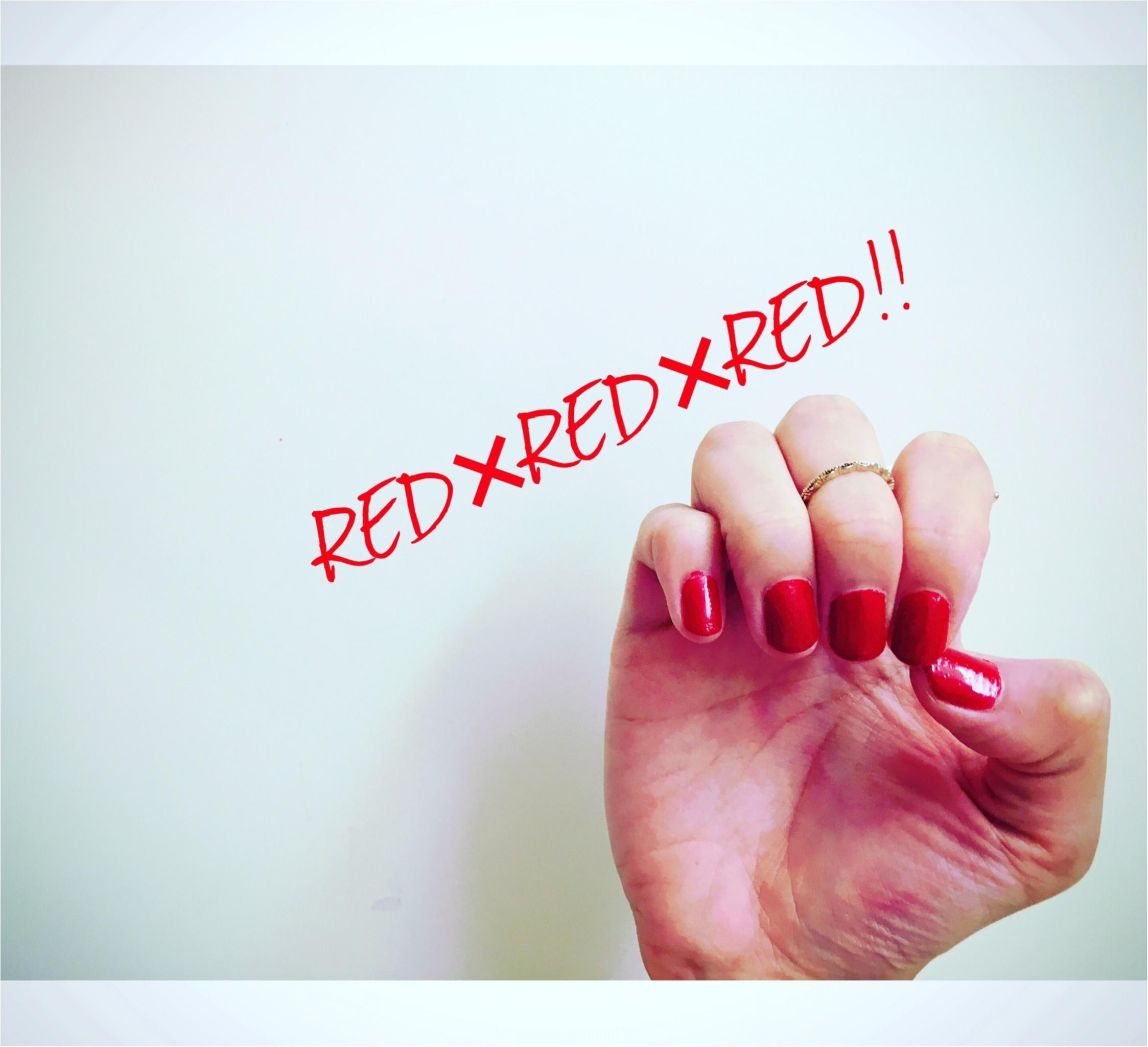 ▶▶夏の【モノトーンコーデ】は赤い小物とネイルを差し色に☺_3