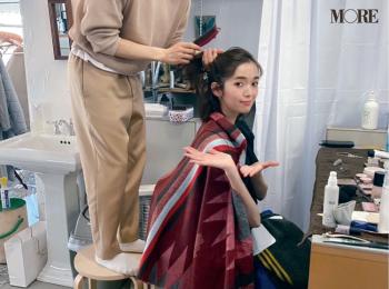 佐藤栞里とヘア&メイクさんのコントラストに注目【モデルのオフショット】