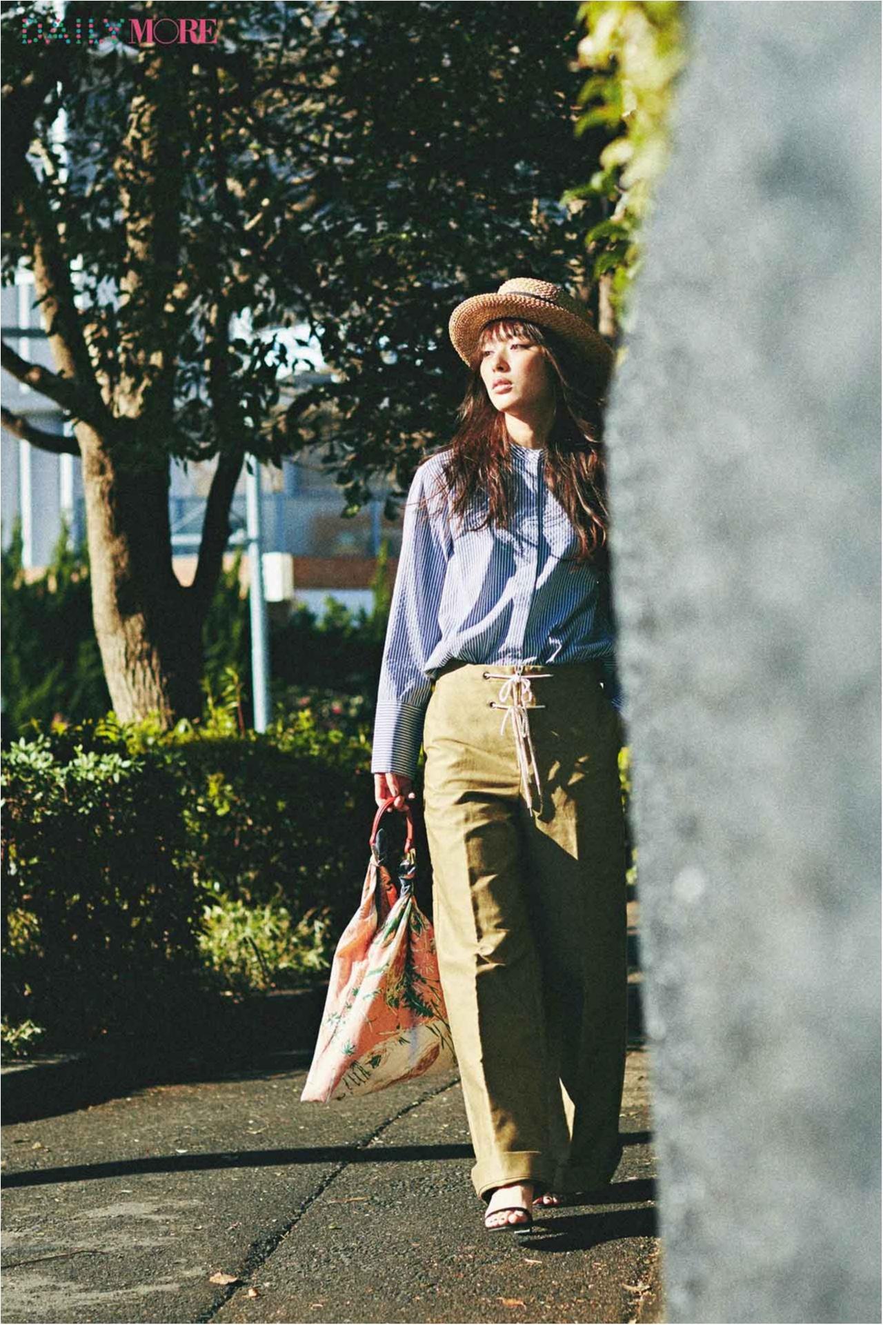 【今日のコーデ/内田理央】女友達とランチする日は、スカーフバッグで新鮮な遊び心を♪_1