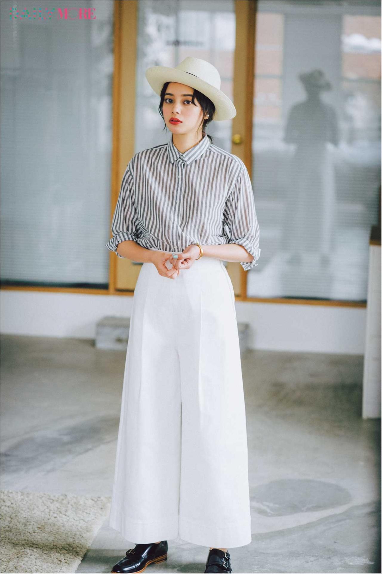 【今日のコーデ/岸本セシル】ストライプシャツ×ワイドパンツ、白っぽトーンでとびきり爽やかに!_1