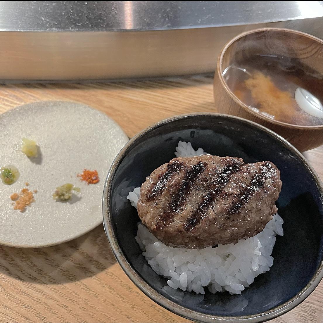 【挽肉と米】並んでも食べたいハンバーグ_3