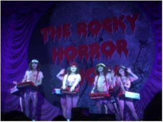ペンライト、コスプレ、ダンス、光線銃、吹き戻しもOK!?観客参加型ミュージカル ロッキーホラーショーを観劇してきました!&年末のご挨拶_2