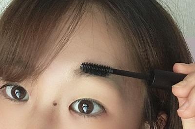 マスクの時こそ眉毛が重要! 眉のプロ『アナスタシア ミアレ』が教える、「クリアブロウジェル」を使いメイクで自眉を活用する方法_3