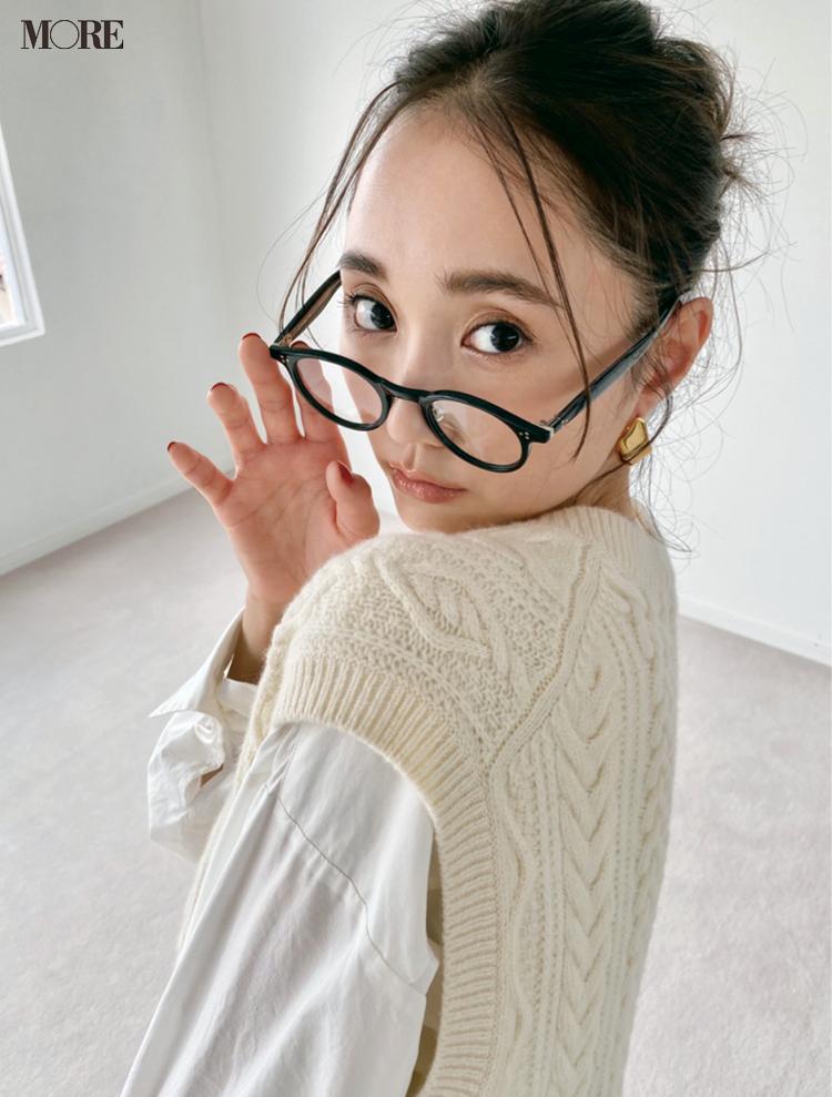 鈴木友菜のメガネ姿にドキッ♡【モデルのオフショット】_1