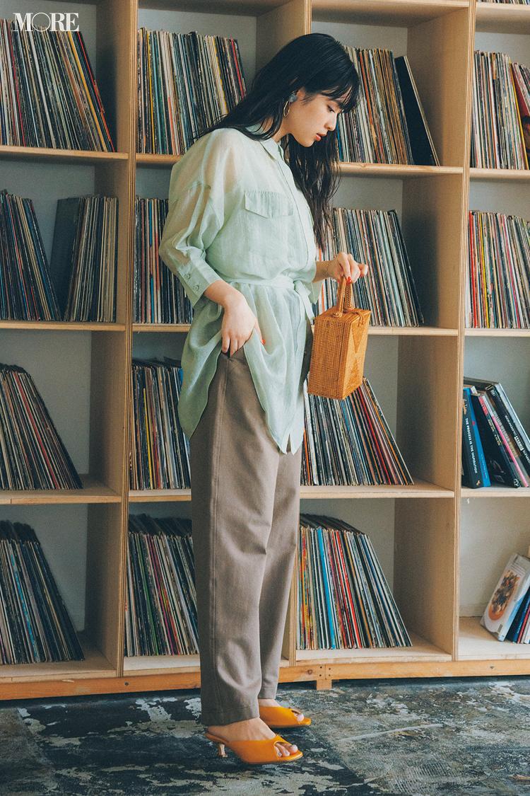 【今日のコーデ】ユニクロのパンツにシアーシャツを合わせた松本愛