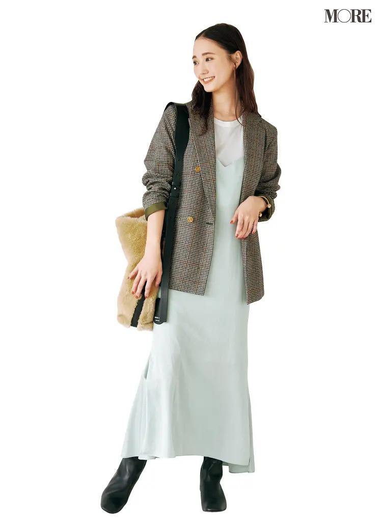 【ジャケットコーデ】きれい色キャミワンピース×グレーのジャケット