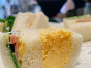 《ふわトロすぎ…》ぷるぷる卵サンドが名物の老舗サンドイッチ店@ルマン