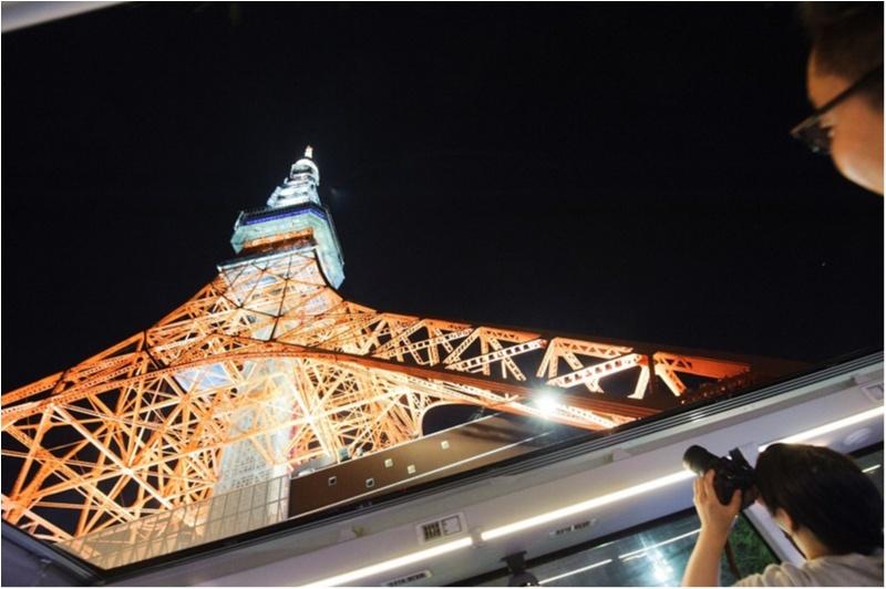 レストランバスで東京タワーなどの観光名所やフレンチが堪能できる