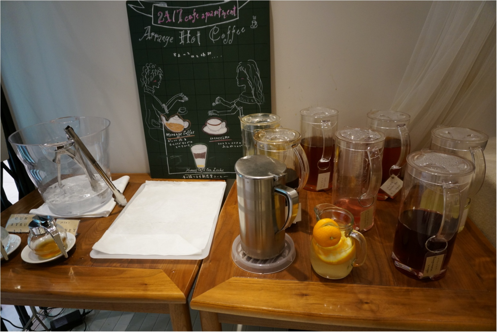 白と木材を基調としたニュートラルな空間でカフェTIME♪《24/7Cafe apartment》で食べれる美味しいフレンチトースト♡_2