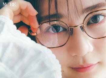 生田絵梨花、メガネをかけて春服を着る。今欲しいトレンドフレームはこれ!