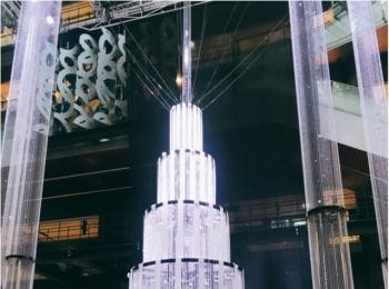 光のアート☆スワロフスキークリスタルのツリーで特別なクリスマスに♡