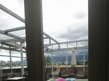 ≪兵庫県・西宮≫夏の「映え」スポットたくさん!海を眺めるプール付きカフェ☆