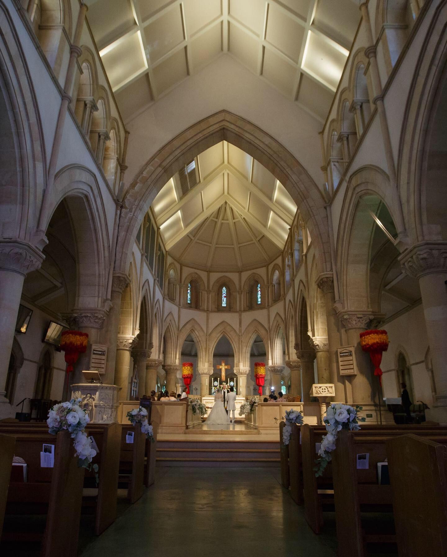 【ハワイ挙式】幻想的なステンドグラスが魅力的!セントアンドリュース大聖堂にて結婚式を挙げました♡♡_7