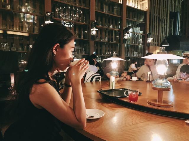 【女子旅におすすめ】北海道の小樽『北一ホール』は外せない★167個のランプが灯る幻想的カフェ_1