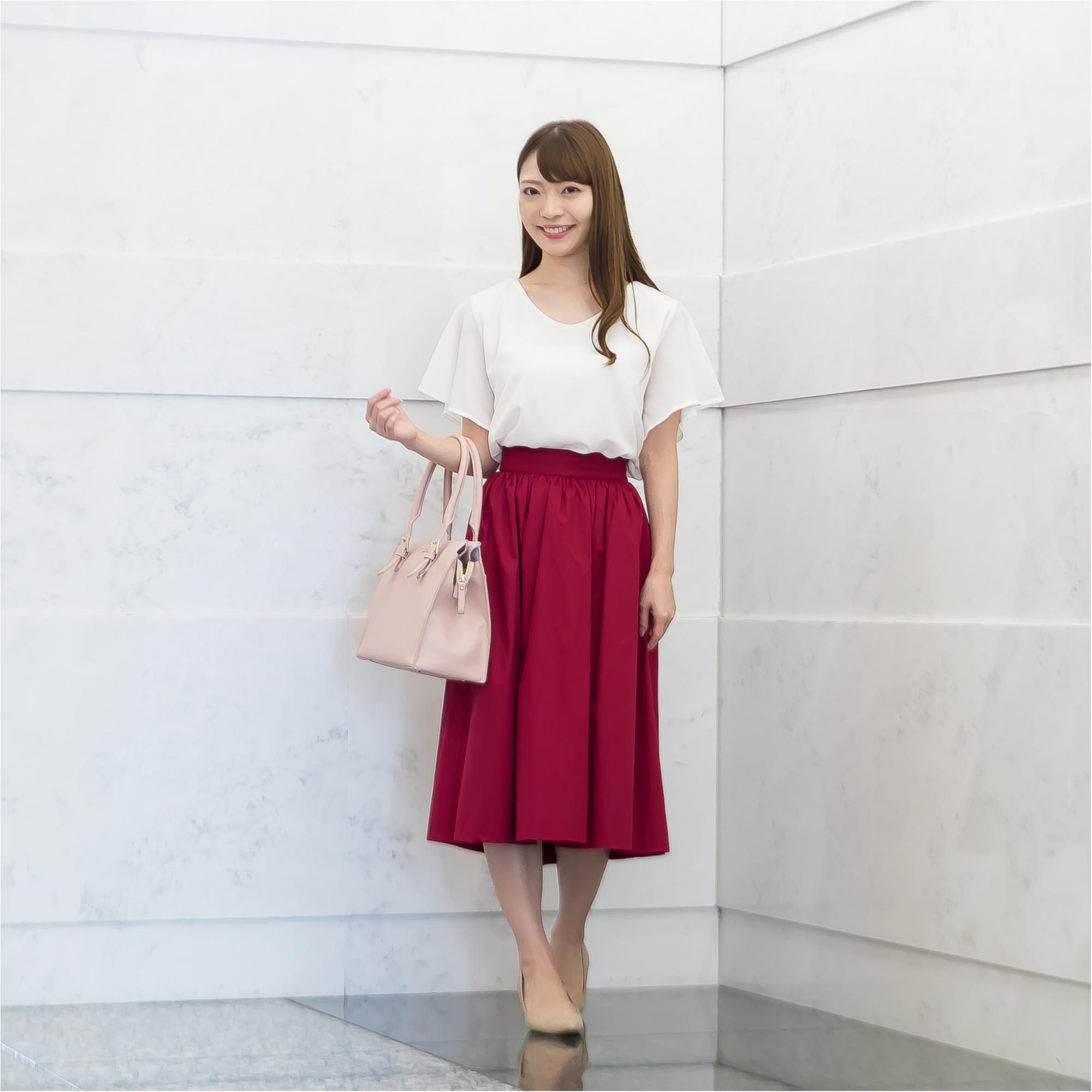 着映え抜群!タックブラウスときれい色スカート、オンとオフの最新コーデ術【GET MORE!通信/モアハピ部がお試し♡】_3