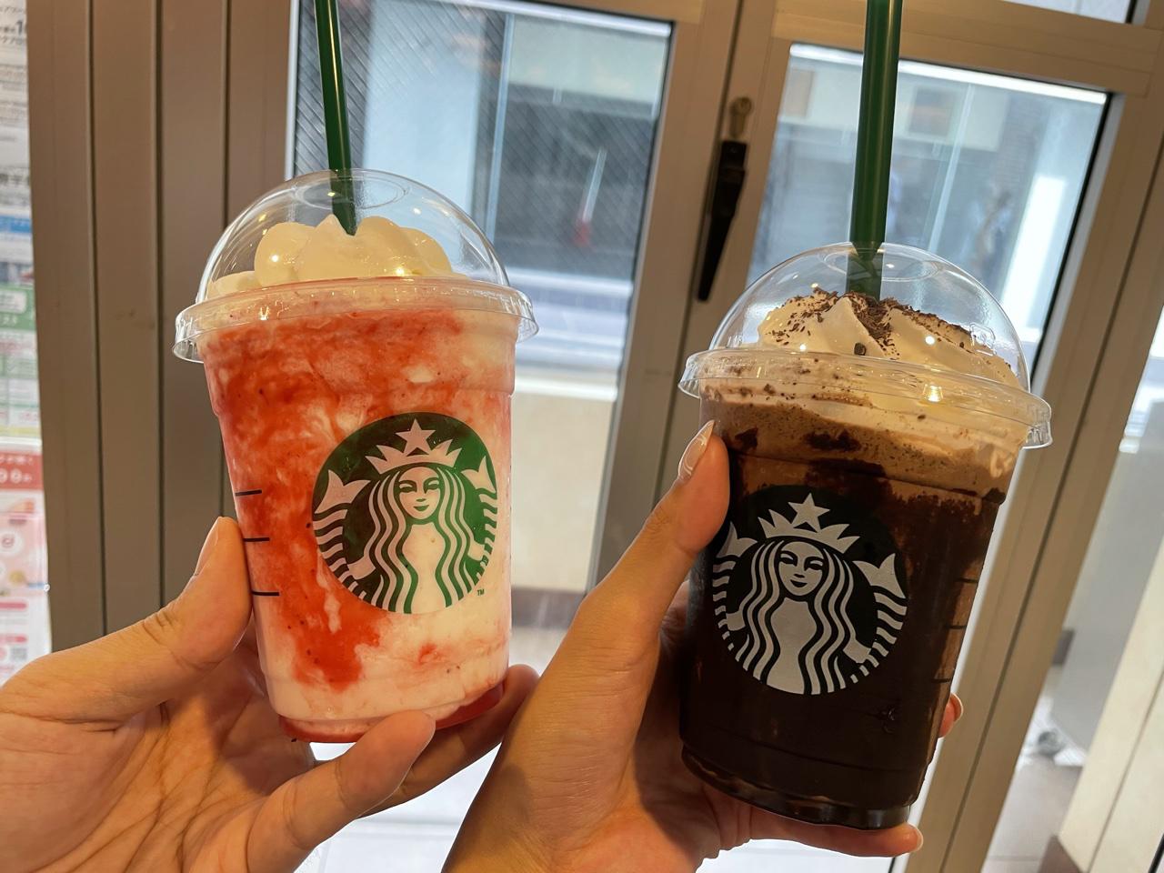 スターバックスコーヒーのフラペチーノが2つ