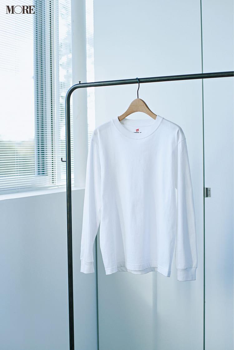 白ニットコーデ【2020冬〜春】- 着膨れしない細見えテクニックなど、白い服の最旬レディースコーディネートまとめ_55
