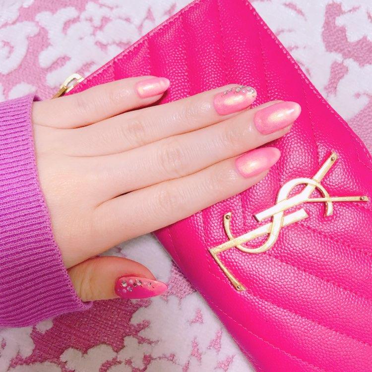 *・゜゚・*春を先取り*・゜゚・*大人可愛いピンクネイルはシルバー入りがオススメ♡_1