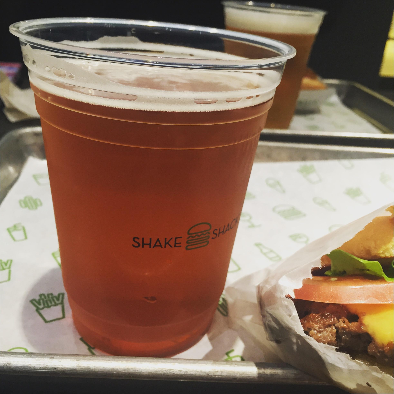 NY発バーガースタンド「Shake Shack」パティの肉感がスゴイ!!✨しかもホルモン剤を使っていない100%オールナチュラルのアンガスビーフ使用しているんです♩≪samenyan≫_6
