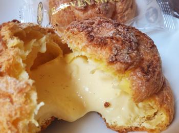 【コンビニスイーツ】卵にこだわったたっぷりカスタード入りシュークリームが絶品≪セブンイレブン≫