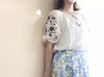 【今日のオフィスコーデ】花花コーデで気分も晴れやかに。