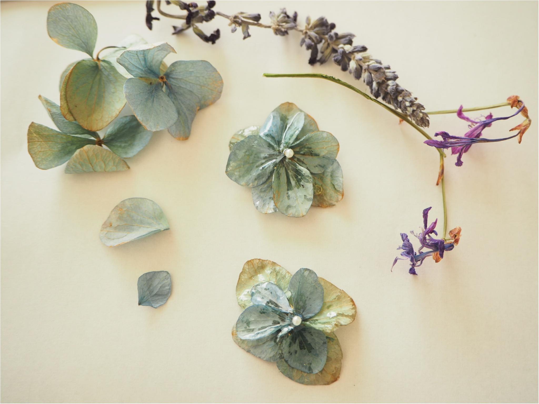 【ハンドメイド部】UVレジンを使って結婚式でいただいたお花を『ドライフラワーアクセサリー』にしてみました。_3