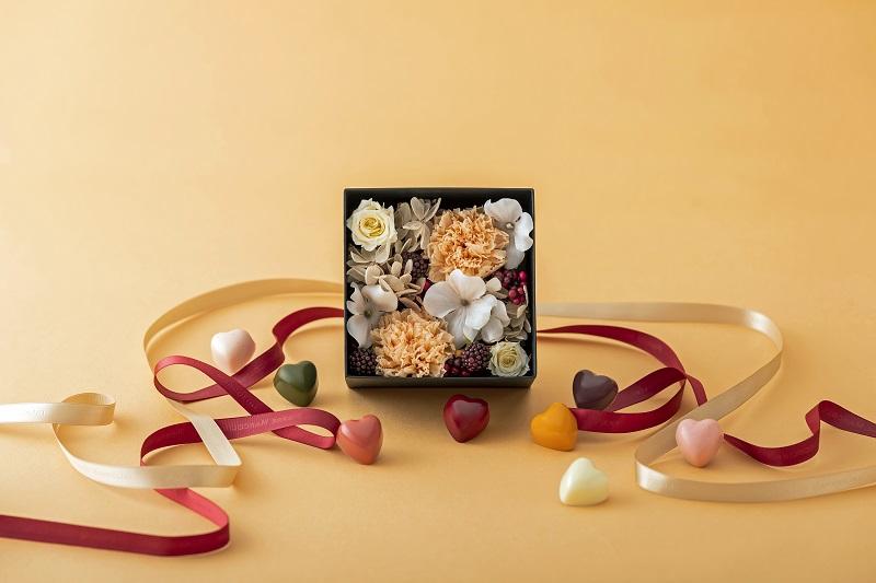 【母の日ギフトおすすめ】『ピエール マルコリーニ』の母の日限定「チョコボックス」の花