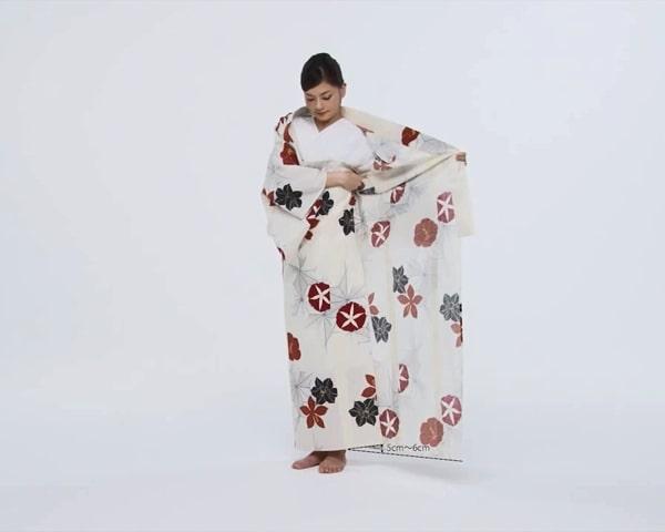 【わかりやすい動画付き】浴衣のセルフ着付け・帯の結び方 - 一人でできる! 女性の浴衣の着方は?_16